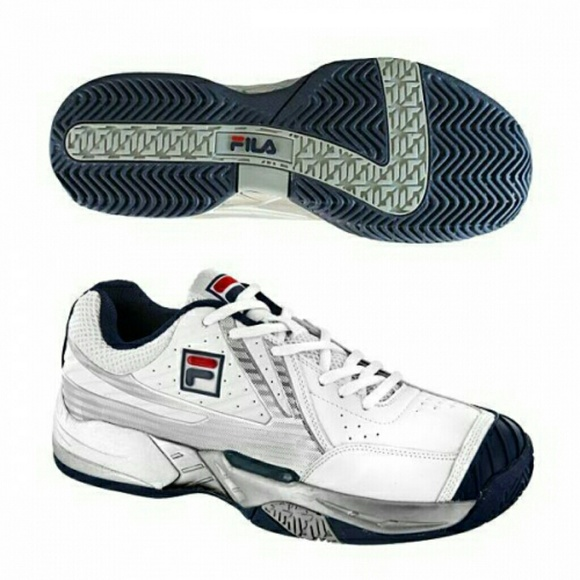 separation shoes 0101e a4c23 Fila R8 Tennis shoes with Original Box. NWT. adidas